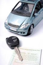 Nur dann erhalten Sie die günstigen Zinssätze für den Autokredit. Das Portal zeigt Ihnen, bei welchen Banken Sie voraussichtlich einen Kredit erhalten können, und stellt die Unterlagen für die Kreditanfrage zum Download bereit.